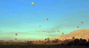 Balloons over Malqata