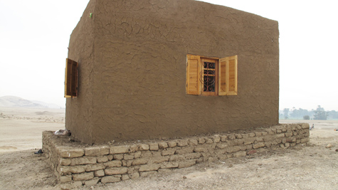 Guardhouse w plaster and waiting for hiba (6)