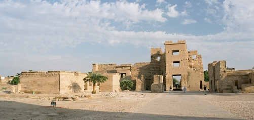 luxor_medinet_habu_egypt_oct_2004_a